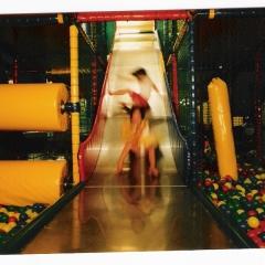 jeux,plaine jeux couverte,anniversaires,tobogan,grimpe,cage,karting,plaine jeux exterieure